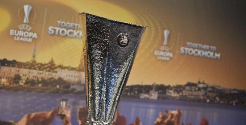 """""""يويفا"""" يسلم ممثلي السويد كأس الدوري الأوروبي"""