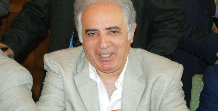 سمير عدلي يستخرج 27 تأشيرة للاعبي الأهلي استعدادًا للقطن