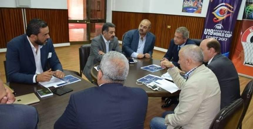 وزير الرياضة يلتقى أعضاء اللجنة العليا لكأس العالم للشباب للسلة