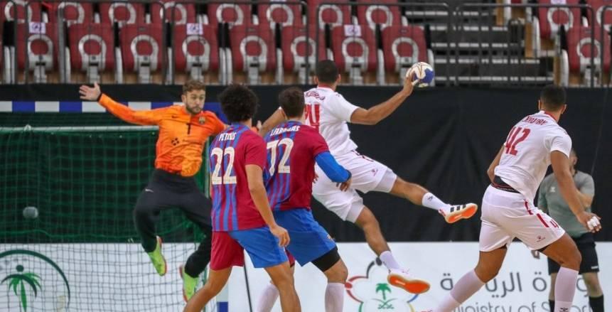 يد الزمالك «رجالة» رغم الخسارة بفارق 4 أهداف من برشلونة في كأس العالم للأندية