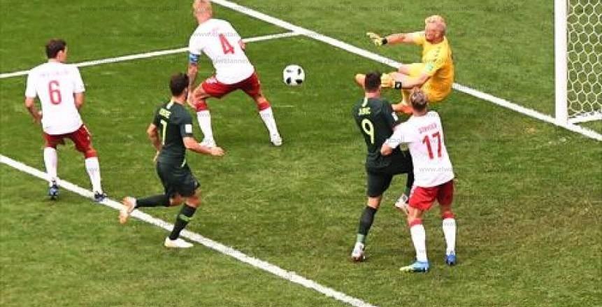 صور مباراة الدنمارك وأستراليا