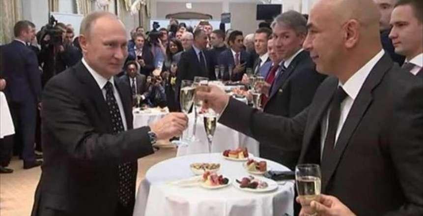 بالفيديو| حقيقة تناول حسام حسن «الخمر» مع «بوتين»