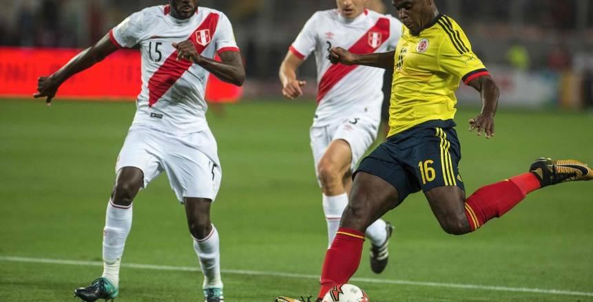 الشوط الأول| كولومبيا تقترب من الملحق بتعادل مع بيرو بتصفيات كأس العالم