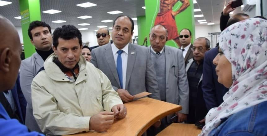 وزير الرياضة يوجه بفتح المراكز والمدن الشبابية والتعليم المدني للحالات الطارئة