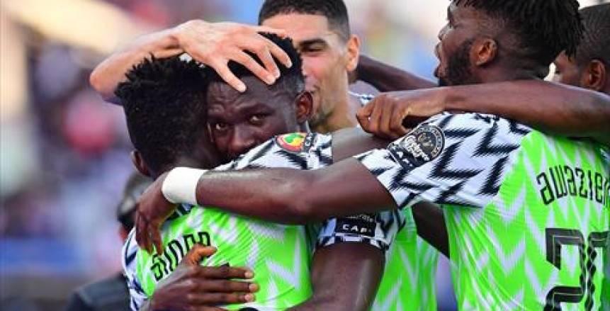 أوميرو يفوز بجائزة أفضل لاعب في مباراة غينيا ونيجيريا