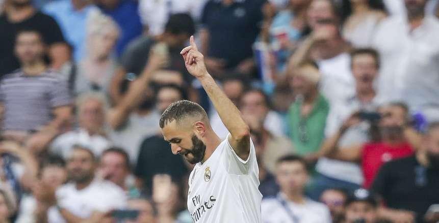 تقارير: ريال مدريد يجدد عقد بنزيما حتى عام 2022