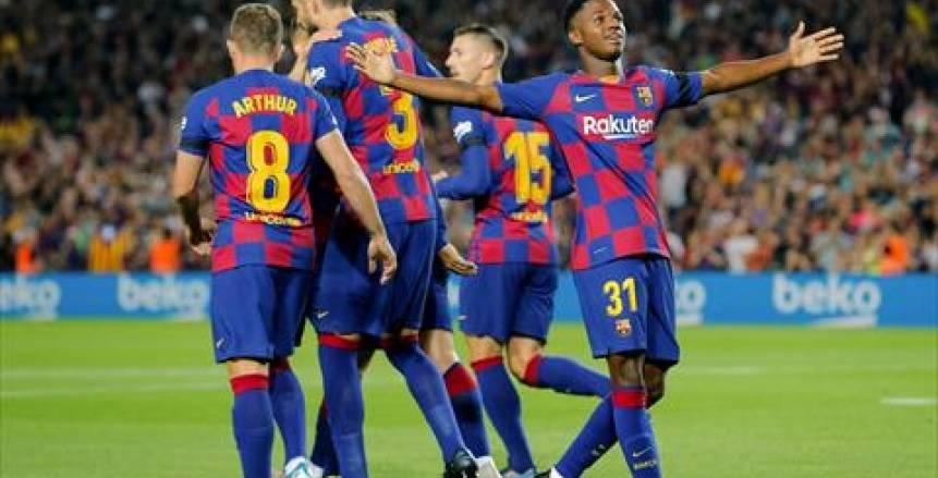 بالفيديو.. برشلونة يسحق فالنسيا بخماسية وسط تألق فاتي وسواريز