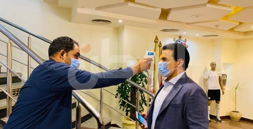 أحمد مجاهد يجتمع مع حسام البدري في اتحاد الكرة