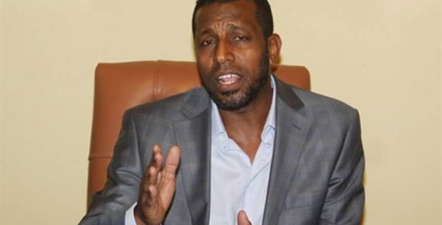 ربيع ياسين يطالب اتحاد الكرة بمعسكر شهري لمنتخب الشباب