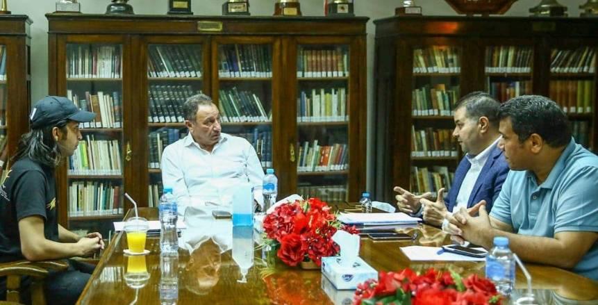 رئيس الأهلي يجتمع مع لجنة احتفالية النجمة العاشرة وتكريم الأبطال «صور»