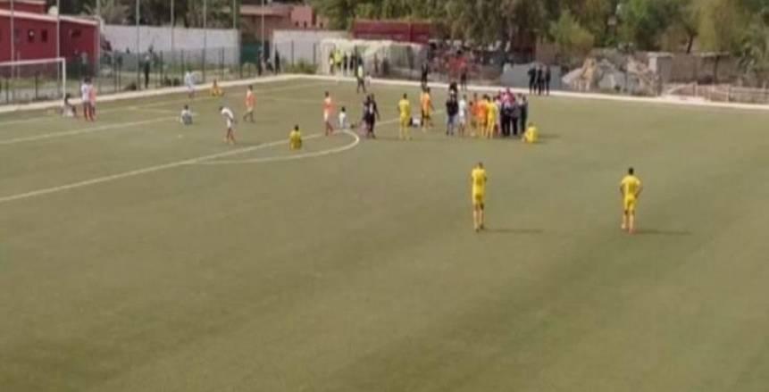 عاجل.. وفاة لاعب على أرض الملعب خلال مباراة في المغرب (فيديو)