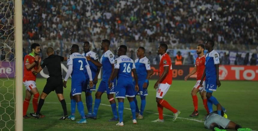الهلال يشطب لاعبين بعد وداع أفريقيا أمام الأهلي.. وحرب ضد رئيس النادي