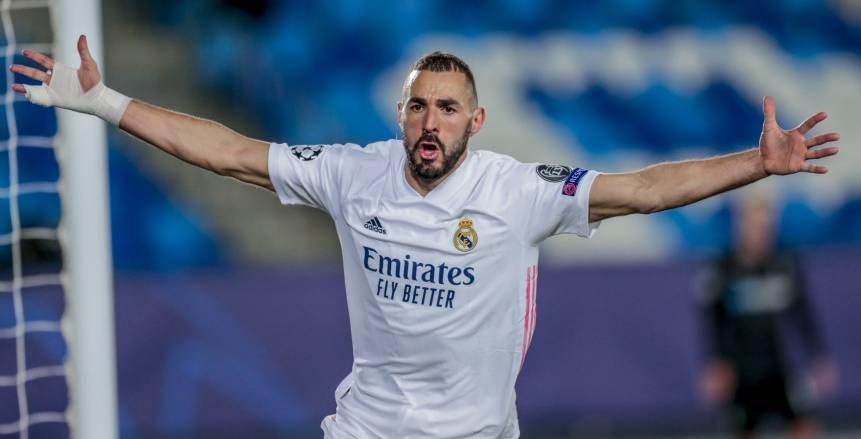 ريال مدريد يقترب من تجديد عقد كريم بنزيما