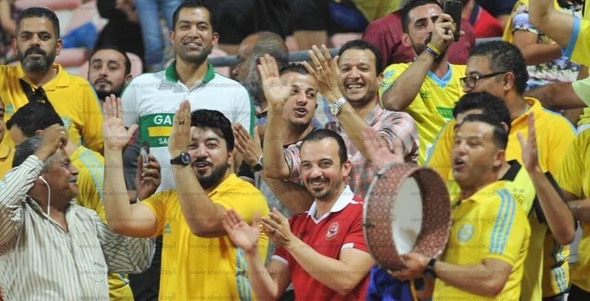 بالصور  «الأهلي والزمالك» يدعمان الإسماعيلي أمام «الكويت الكويتي»