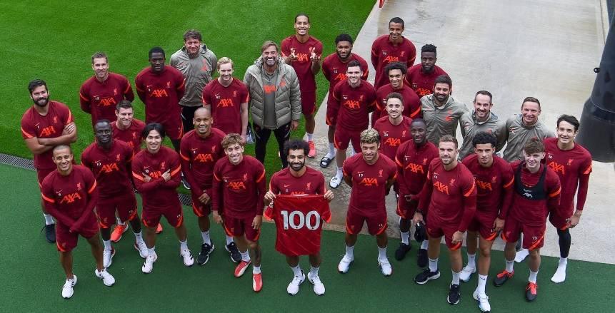 بالقميص رقم 100.. لاعبو ليفربول يحتفلون بـ محمد صلاح