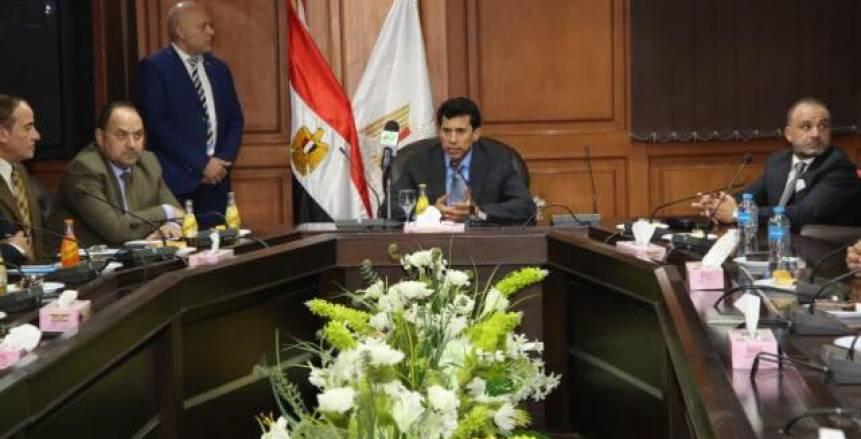 أشرف صبحي يلتقي بمنتخب مصر للسلاح ويستعرض خطة الاتحاد لأولمبياد طوكيو