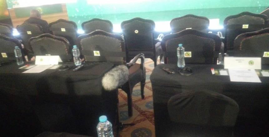بالصور.. انطلاق حفل قرعة دوري أبطال أفريقيا.. مقاعد مندوبي الأهلي بجوار نظرائهم بالزمالك