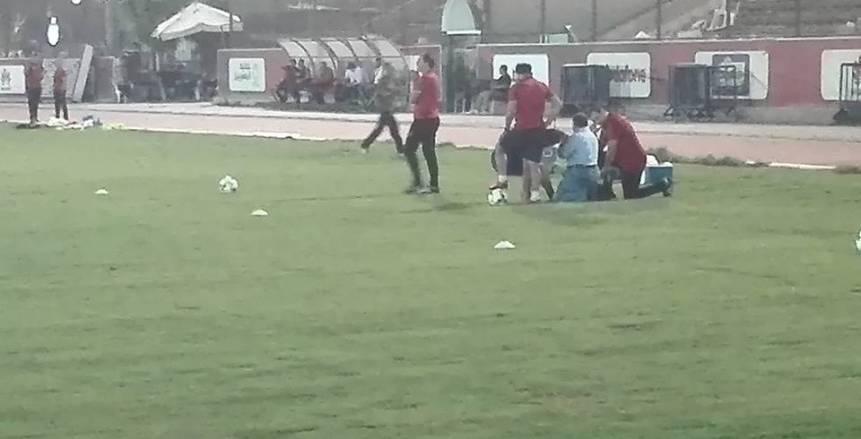 بالصور| عماد متعب يغادر  مران الأهلي بسبب الإصابة