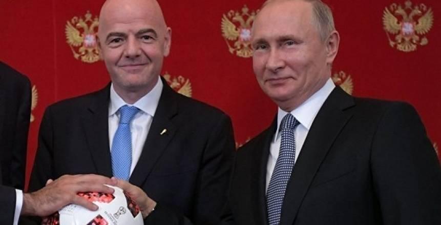 «بوتين» يسلم راية كأس العالم لـ«قطر».. ورئيس فيفا يخاطب الحضور بـ«العربية»