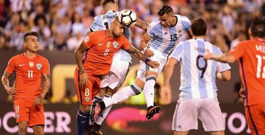"""للمرة الثالثة على التوالي.. هل تشهد """"كوبا أمريكا"""" النهائي بين الأرجنتين وتشيلي؟"""