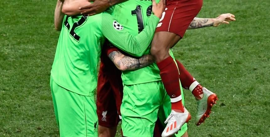 احتفال لاعبو ليفربول بالتتويج ببطولة دوري أبطال أوروبا