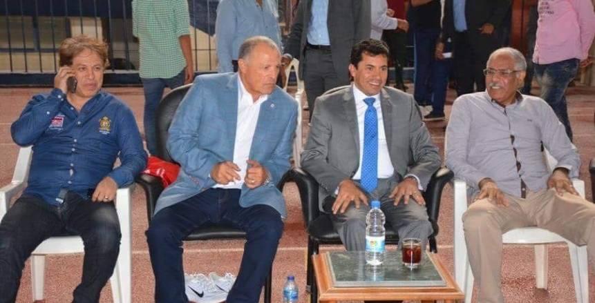 هاني أبوريدة يحتوي أزمة وزير الرياضة في استاد السلام