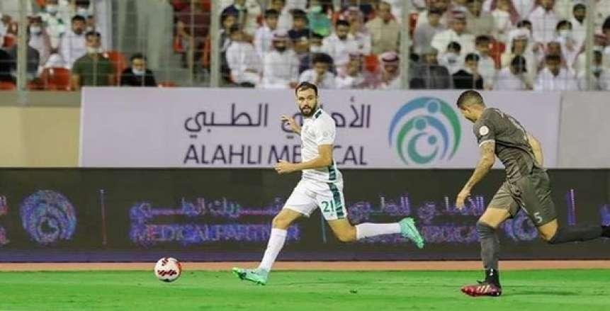 محامي النقاز: اللاعب انتقل للأهلي السعودي باعتباره لاعبا حرا