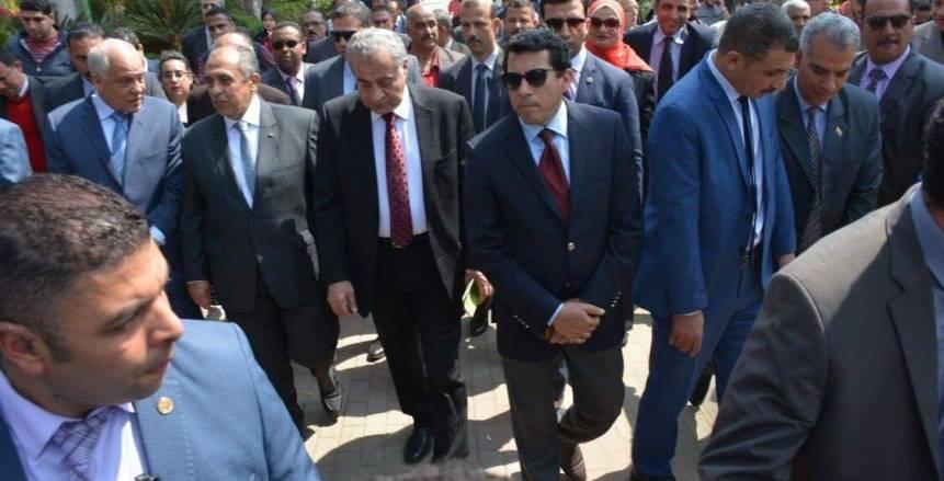 وزير الشباب يشارك في افتتاح معرض الزهور بحديقة الأورمان بالجيزة