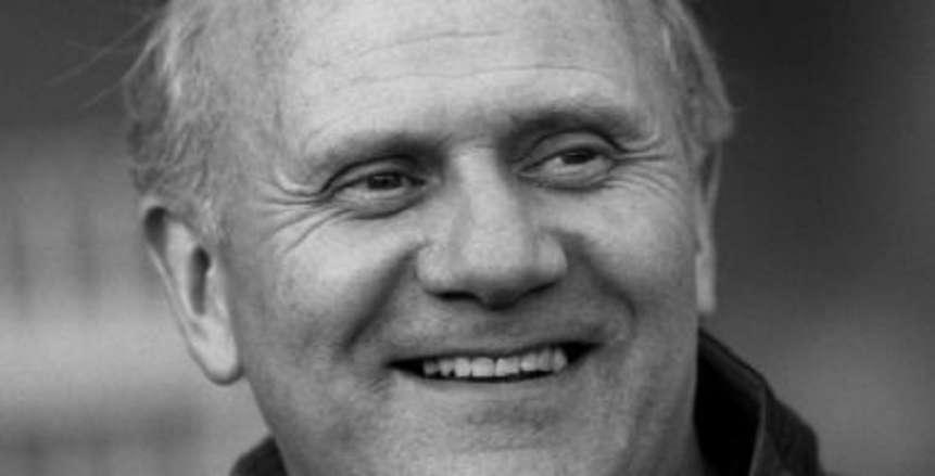 وفاة مايك سميث مدرب منتخب مصر صاحب إنجاز أمم أفريقيا 1986