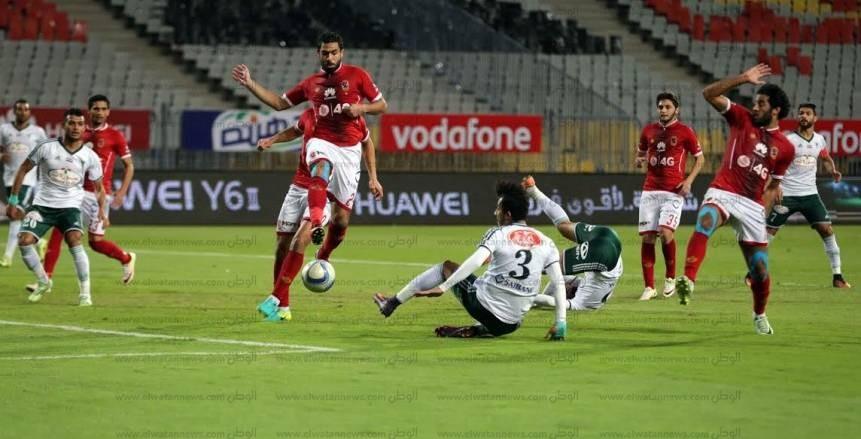 60 دقيقة| المصري يفشل في فك رموز دفاعات الأهلي.. والأحمر يواصل تقدمه