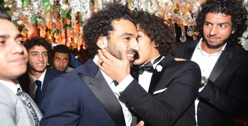بالفيديو| محمد صلاح يشعل حفل زفاف حسين السيد