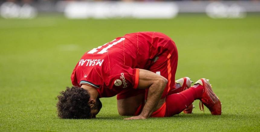 ضياء السيد: محمد صلاح يستحق الكرة الذهبية.. مستواه مع مصر مثل ليفربول