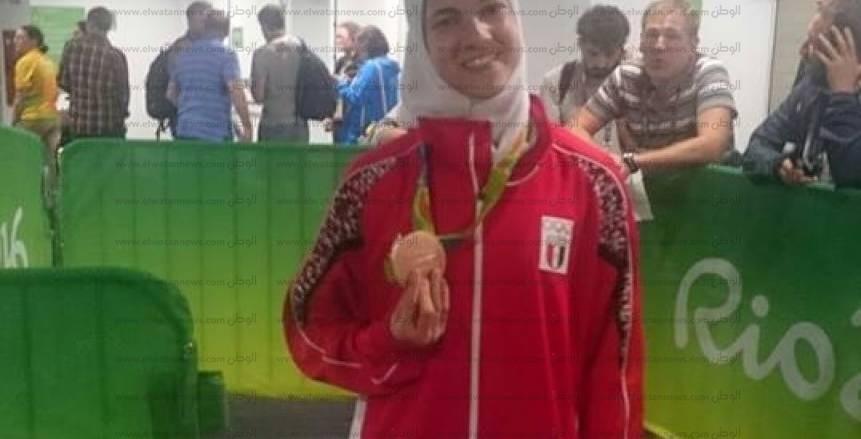 بالصور : تتويج البطلة هداية ملاك ببرونزية التايكوندو بالاولمبياد
