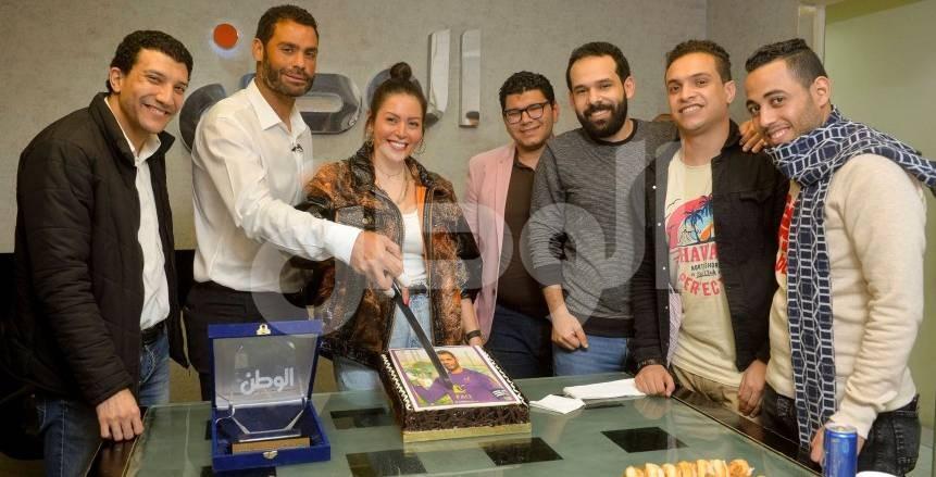 محمد عبد المنصف وزوجته لقاء الخميسي في ضيافة الوطن