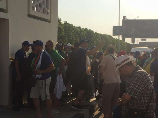 Pictures Algeria's fans continue to flock to the air defense court