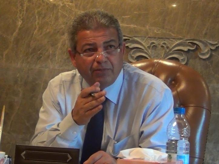عبدالعزيز يناقش دعم الاتحادات مع الإدارة المركزية لشئون الهيئات والبطولة