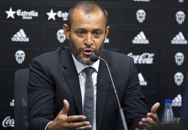 فالنسيا الإسباني يمدد عقد مدربه حتى صيف 2018