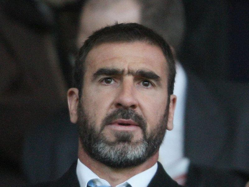 كانتونا يتهم مدرب فرنسا بالعنصرية بسبب استبعاد بنزيما وبن عرفه